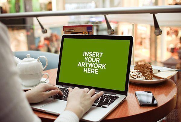 MacBook Mockup gratuito de Graphic Burger